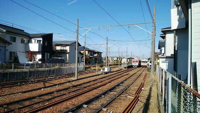 鶴来駅ホーム