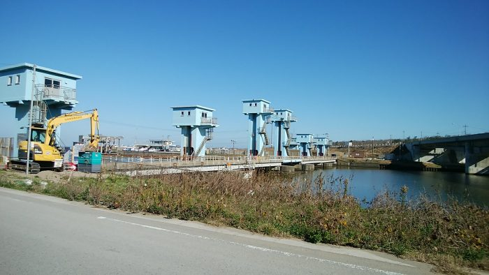 河北潟放水路防潮水門