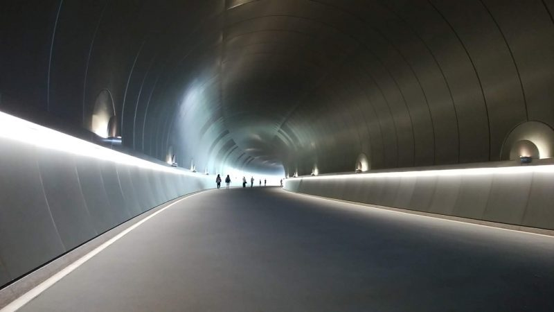 MIHO MUSEUM のトンネル