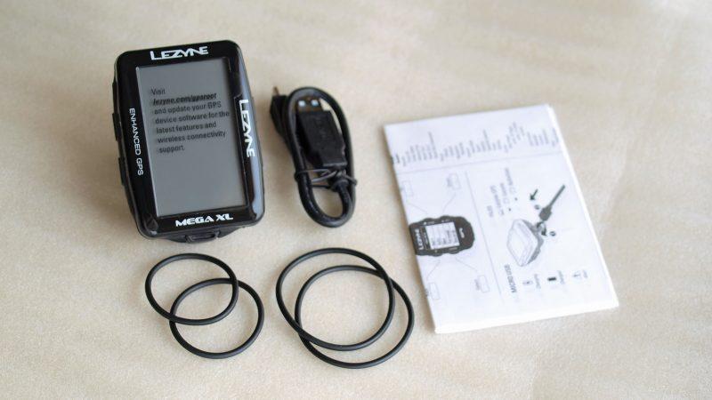 Lezyne Mega Xl GPS 本体と付属品
