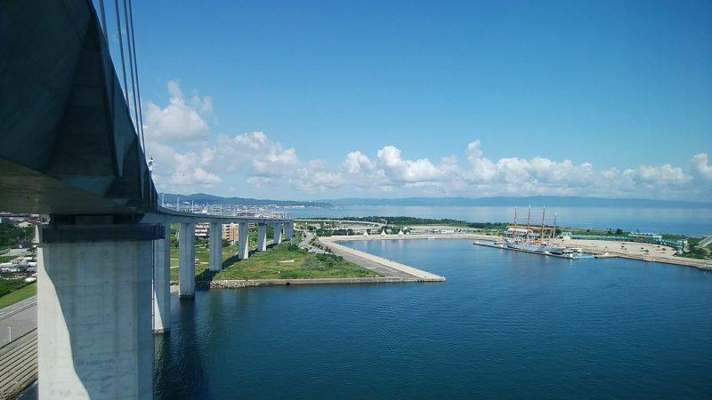 新湊大橋から海王丸パーク