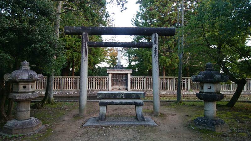 前田利長公墓所