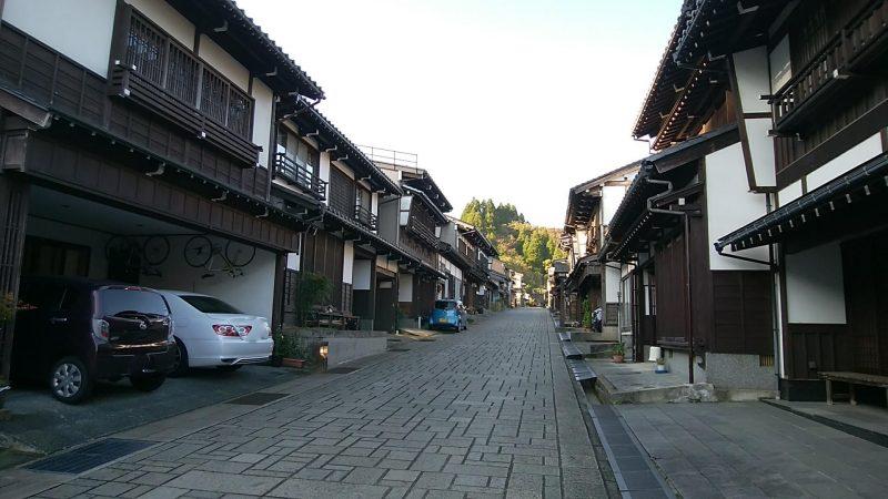 諏訪町通り